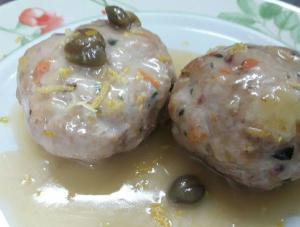 Polpettine in salsa gialla di limone e capperi di Pantelleria