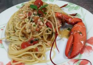 Speciale weekend, spaghetti all'Astice e pomodorini ciliegino Pachino